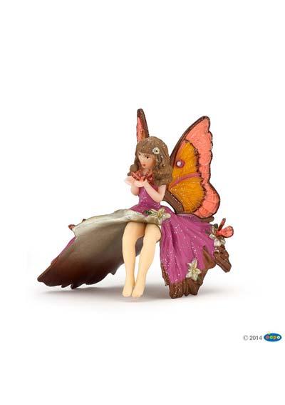 Dievčatko elfka s motýľom
