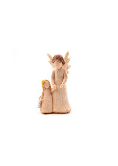Anjel držiaci za ruku dievčatko